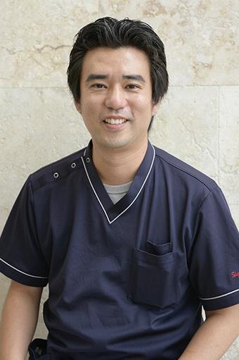 歯科医師 小渡 茂樹先生